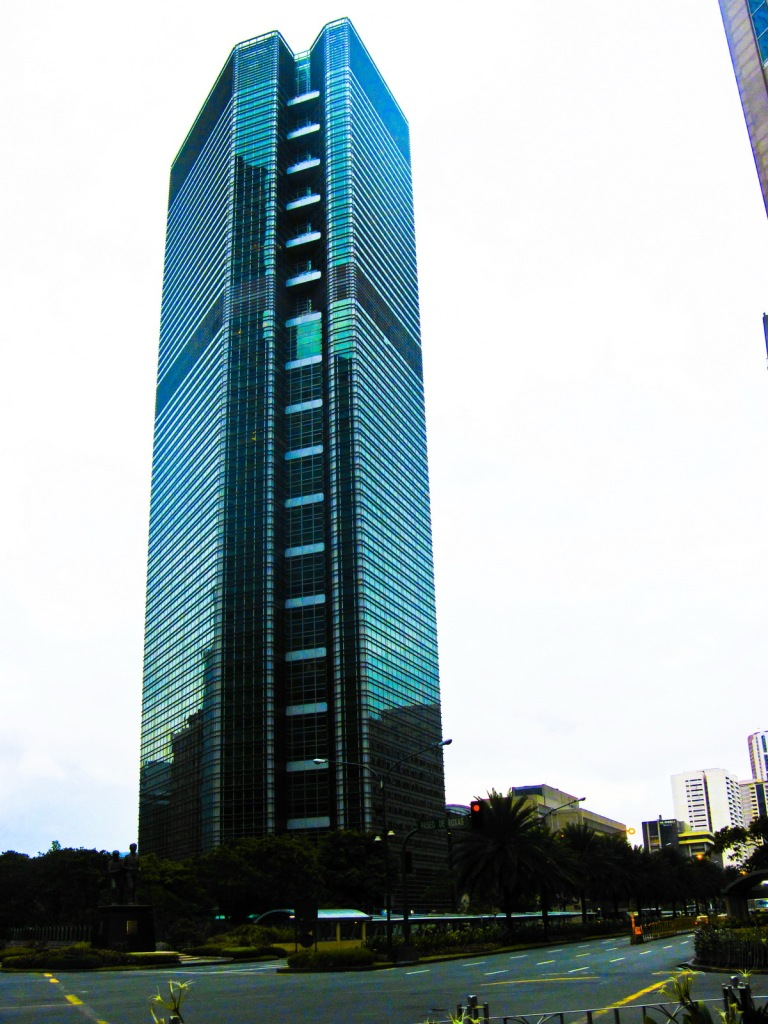 Ayala Tower One along Ayale Avenue2