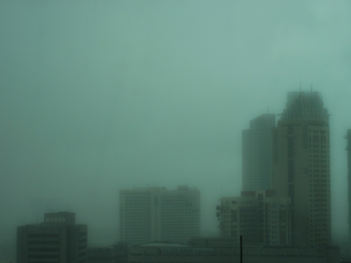 rainy day in makati 1_resize