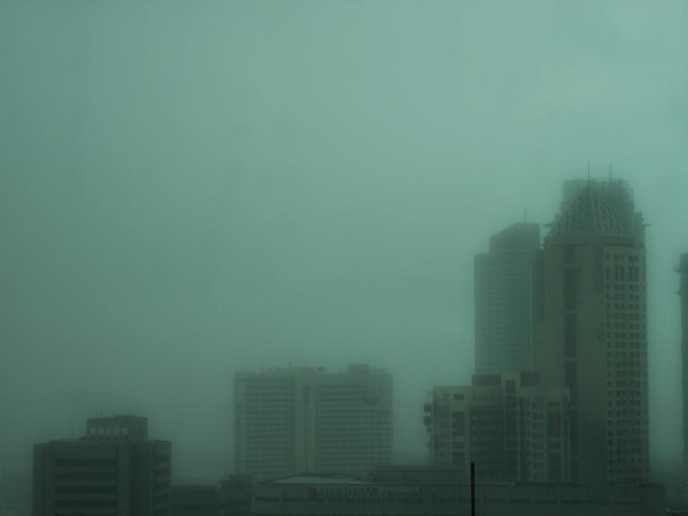 rainy day in makati 1_resize