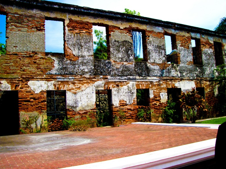 fort pilar inner wall