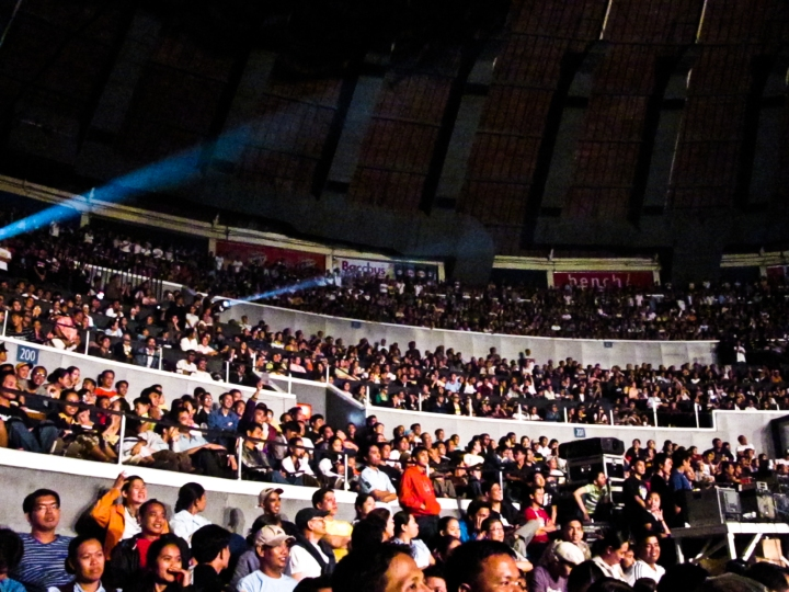 yconcon crowd 4
