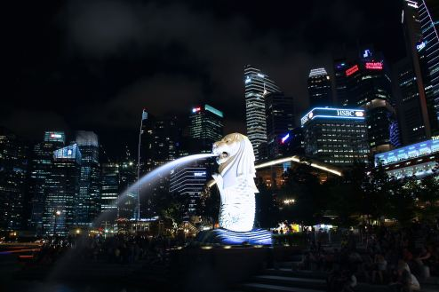 merlion-at-night